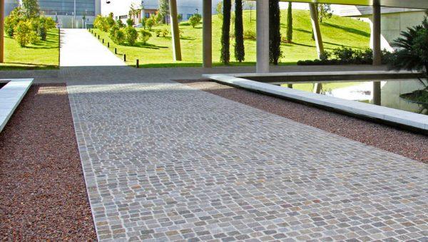 Perchè scegliere il porfido per la pavimentazione esterna
